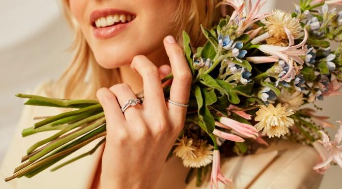 【求婚鑽戒】單鑽設計喻意愛與承諾