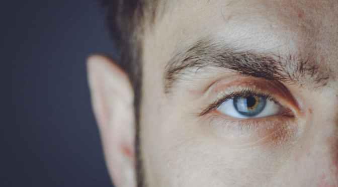 型男必備︰眉毛打理簡易兩步曲