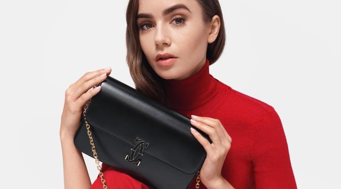 Lily Collins演繹法式優雅卡地亞全新Double C de Cartier系列鏈帶手袋